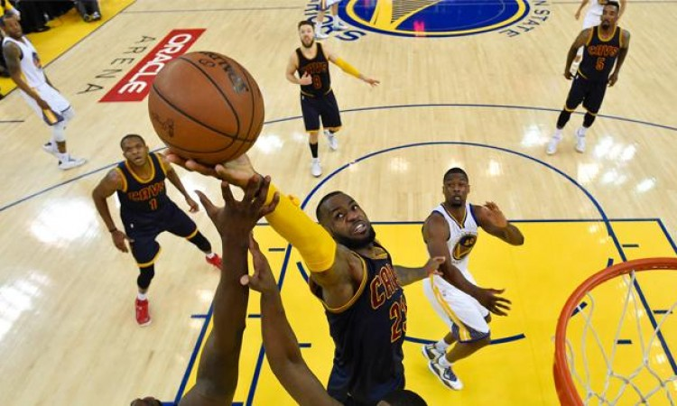 Golden State Warriors Selangkah Lagi Juara NBA